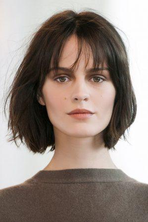 รวมทรงผมสั้นผู้หญิง ต้อนรับ ปี 2018 เลือกทรงผมให้เหมาะกับรูปหน้า ตัดแล้ว สวย ไม่ป้า รับรองว่าหน้าเด็ก : รูปหน้าเหลี่ยม Square-Face