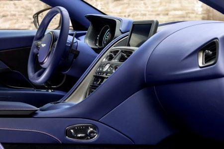 Aston-Martin-DB11-V8