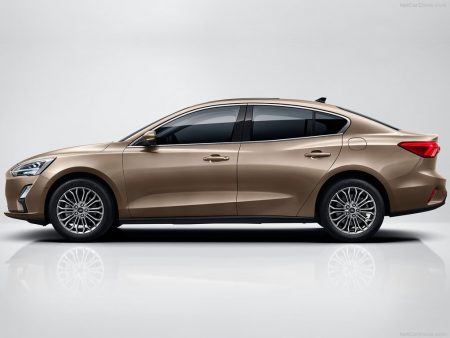 Ford-Focus_Sedan-2019-1024-02