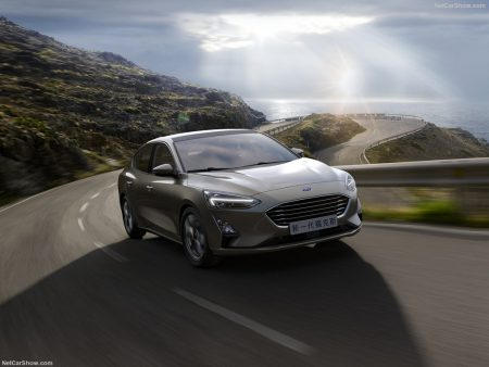 Ford-Focus_Sedan-2019-1024-05