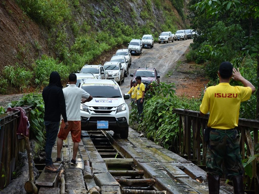 Isuzu Touring Caravan to Mynmar - Dawei