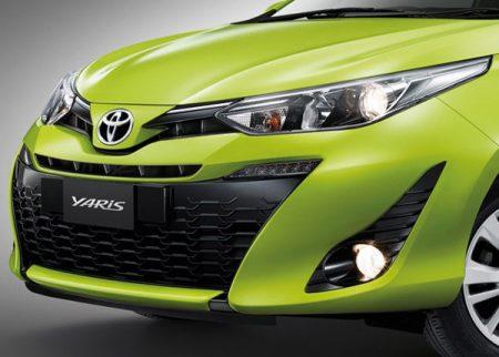 เปรียบเทียบ Yaris ATiV กับ Yaris Hatchback