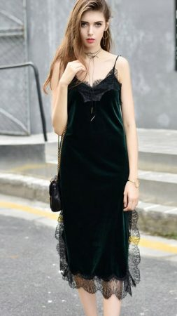green-outfit-lady