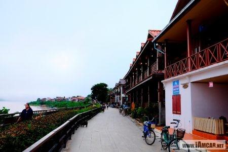 """แนะนำ 5 ที่เที่ยว เมื่อมาเยือน """"เชียงคาน"""" จูงมือกันมาบอกรัก...เลย chiang khan : ถนนคนเดินเชียงคาน"""