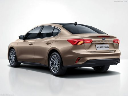 Ford-Focus_Sedan-2019-1024-03