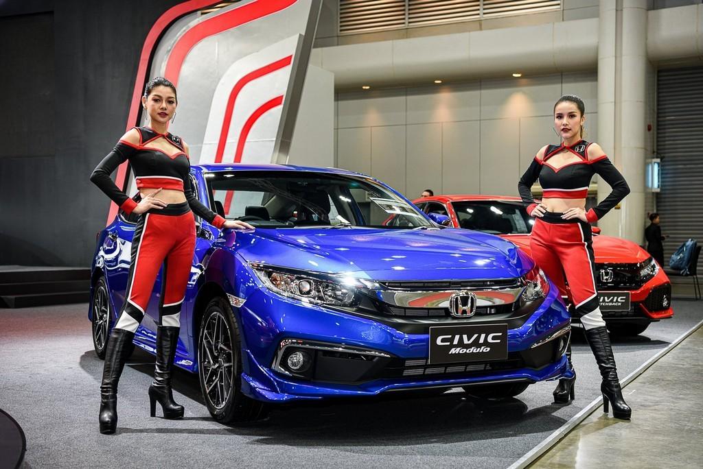 """ฮอนด้า ชูไฮไลท์ """"แอคคอร์ด ใหม่""""  มาพร้อมอุปกรณ์ตกแต่งแท้โมดูโลเพิ่มความสปอร์ตเร้าใจ ในงาน Bangkok International Auto Salon 2019"""